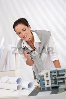 разврат в офисе архитекторов-йэ1