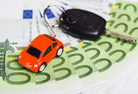 Car key banknotes and keychain