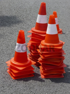Pylone - Verkehrszeichen - Leitkegel