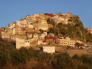 das Dorf Moulay Idriss in Marokko