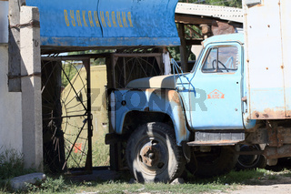 Alter LKW in Grigorievka, Yssykköl, Kirgisistan