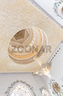 Interior of Sheikh Zayed Grand Mosque, Abu Dhabi, United Arab Emirates.