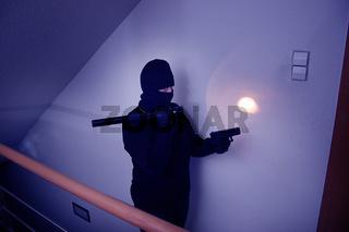 Einbruch in eine Wohnung / Break-in into a flat
