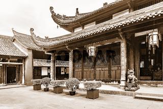 Buildings on the territory of Wenshu monastery.