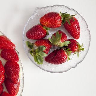 Schuessel mit Erdbeeren