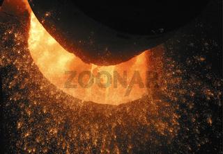 Stahlfunken im Stahlwerk