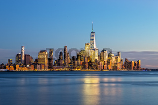 New York Skyline nach Sonnenuntergang