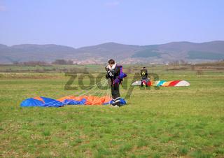 Parachutes landed