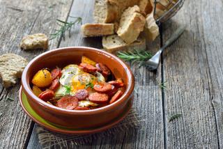 Spanische Tapa mit Chorizo