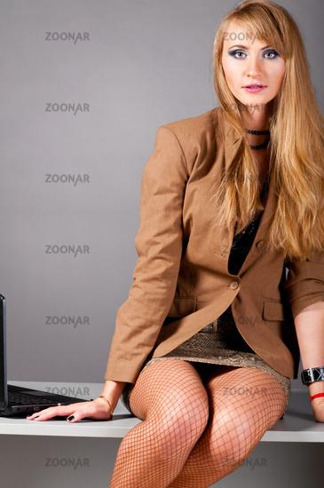 foto-golaya-biznes-ledi
