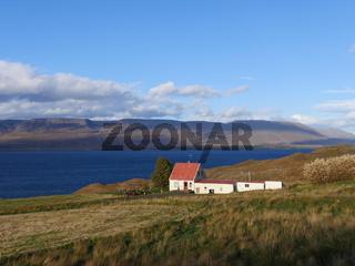 Bauernkate am Eyjafjörður im Norden von Island