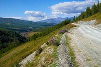 Mountain road in Ulagan Highlands to Katu-Yaryk pass in Altai