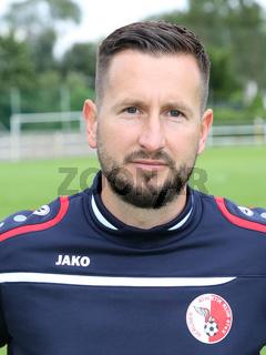 Cheftrainer Markus Zschiesche (Berliner AK) beim Testspiel Hallescher FC gegen Berliner AK am 30.06.2017 in Dessau