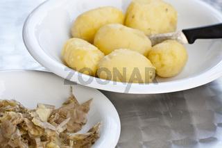 Geschälte Kartoffeln peeled potatoes