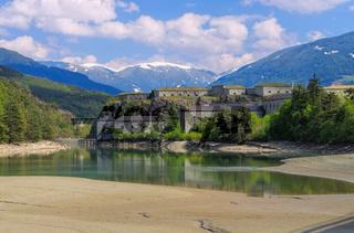 Franzensfestein den Alpen - Fort of Franzensfeste in Alps, northern Italy