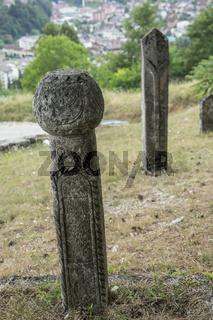Alter Friedhof an der Mittelalterlichen Festung von Kljuc, Bosnien