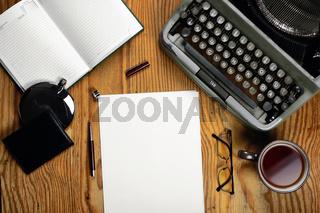 typewriter retro desktop