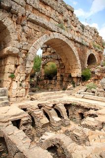 Antike Römische Badruinen von Perge.