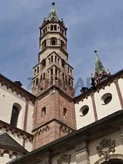 Wuerzburger Dom-Ostturm und Chor
