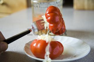 Paprika mit Krautsalat - paprika with cole-slaw