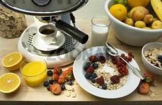 Espressomaschine mit Frühstück