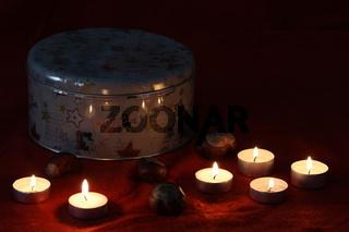 Dose im Kerzenschein
