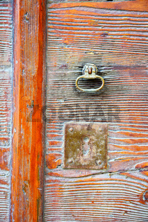 varese abstract  rusty brass brown knocker