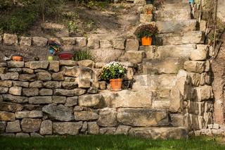 alter idyllischer Garten