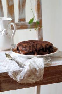 Schokoladenkuchen mit Schokoladencremeguss