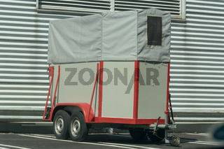 Horse transport trailer