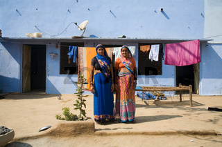 indische Frauen in traditioneller Tracht, Nordindien, Indien, Asien - indian woman in traditional dress, North India, India, Asia