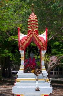 Schrein weiß rot beten wat altar