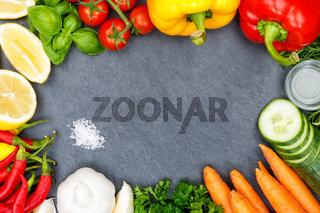 Gemüse Sammlung Tomaten Karotten Paprika kochen Schieferplatte Zutaten Hintergrund von oben