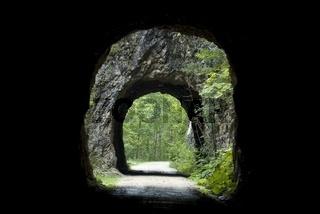 Tunnel auf der Waldbahnstrasse im Nationalpark Kalkalpen