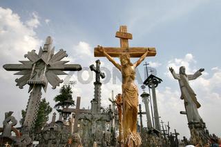 Litauen - Siauliai -Wallfahrtsort Berg der Kreuze (Kryzin Kalnas) / Lithuania - Siauliai - Mountain of the crosses