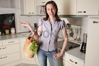 Hausfrau in der Küche, Küchenarbeit