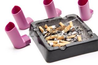Aschenbecher mit Inhaler