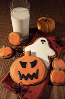 Freshly baked cookies for Halloween fun