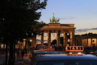Berlin - Brandenburger Tor with Taxi - Tourism