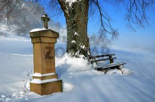 Gedenkstein am Fuße des Kornbühl