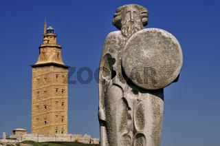Herkulesturm und Keltenkönig Breogán in La Coruna