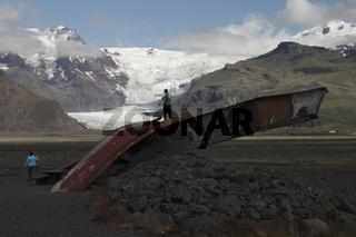 Remains of the old bridge on the Skeiðarársandur