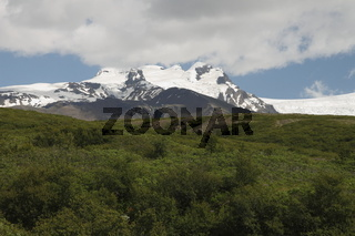 Peaks overlooking Skaftafell. Vatnajökull National Park (the largest national park in Europe)