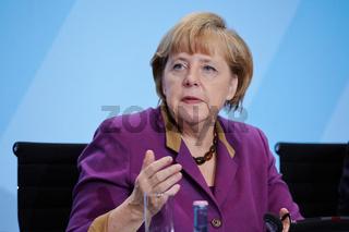 Merkel receives economic organization leaders