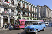 street scene of old town of Havanna
