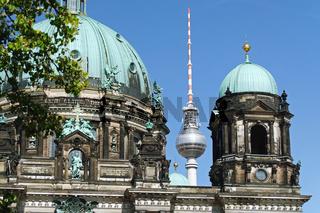 Berliner Dom und der Fernsehturm