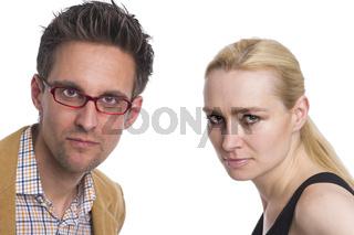 Frau und Mann als verärgertes Paar
