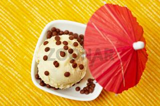 Kugel Pfirsisch-Mascarpone-Eis
