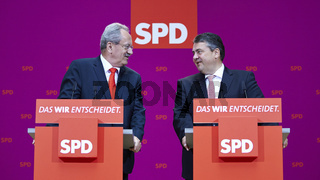 Sigmar Gabriel and Christian Ude give statements after the state elections in Berlin.