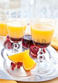 Orangensaft mit Grenadine